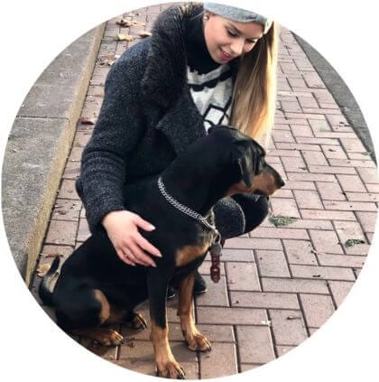 Hund Chester mit Besitzerin Nadine